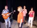 2012-05-30-dvojkoncert-s-druhou-travou-loutkove-divadlo-opava-003.JPG